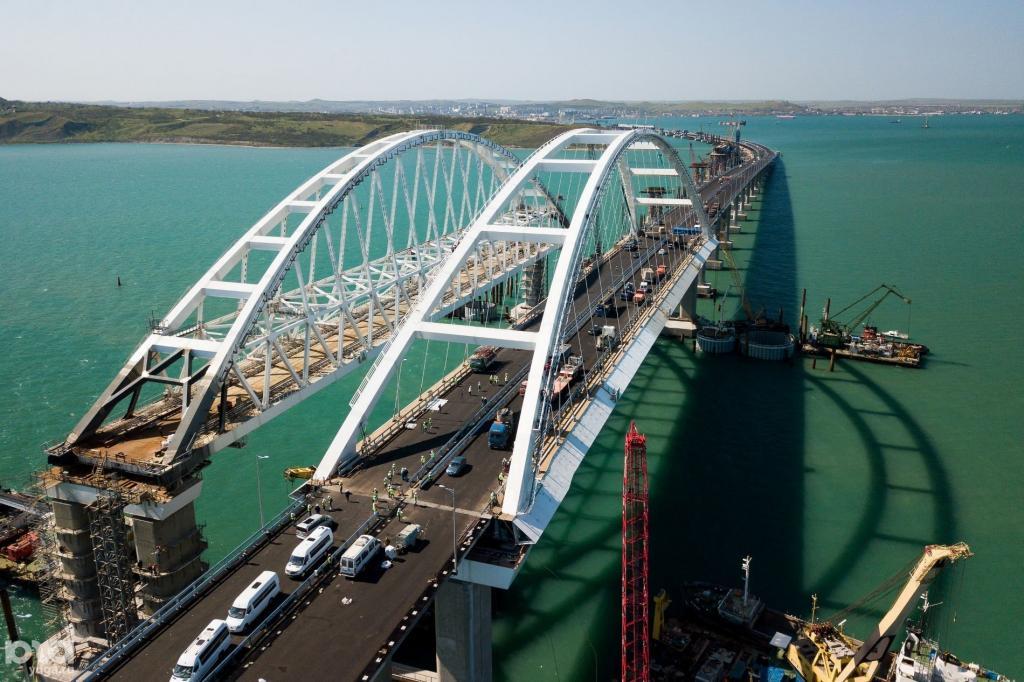 По Крымскому мосту с момента его открытия проехали 5 млн автомобилей